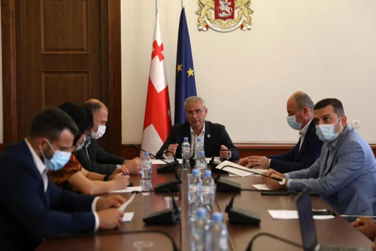 Gürcüstan parlamentinin Komitəsi azərbaycanlıların -ov, -yev soyad sonluqlarından imtina təşəbbüsünü dəstəkləyib