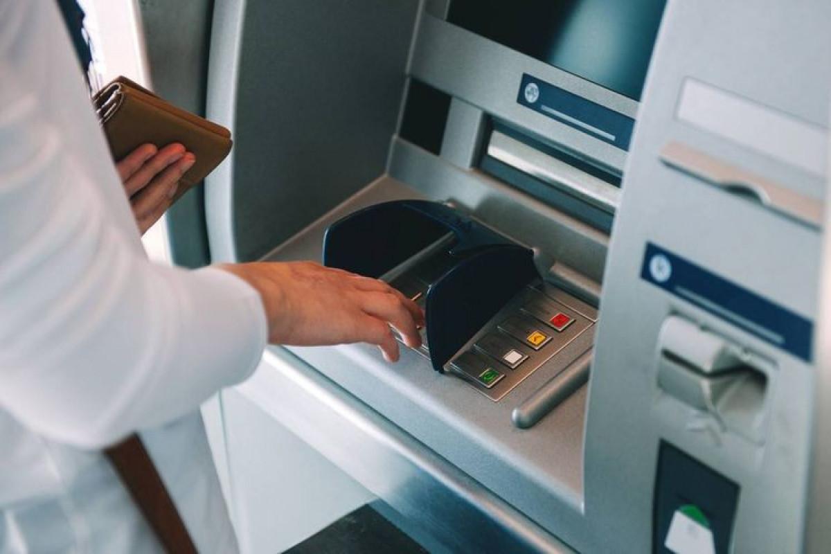 Altı ayda bank kartları ilə əməliyyatların 72%-ni nağdlaşdırma təşkil edib