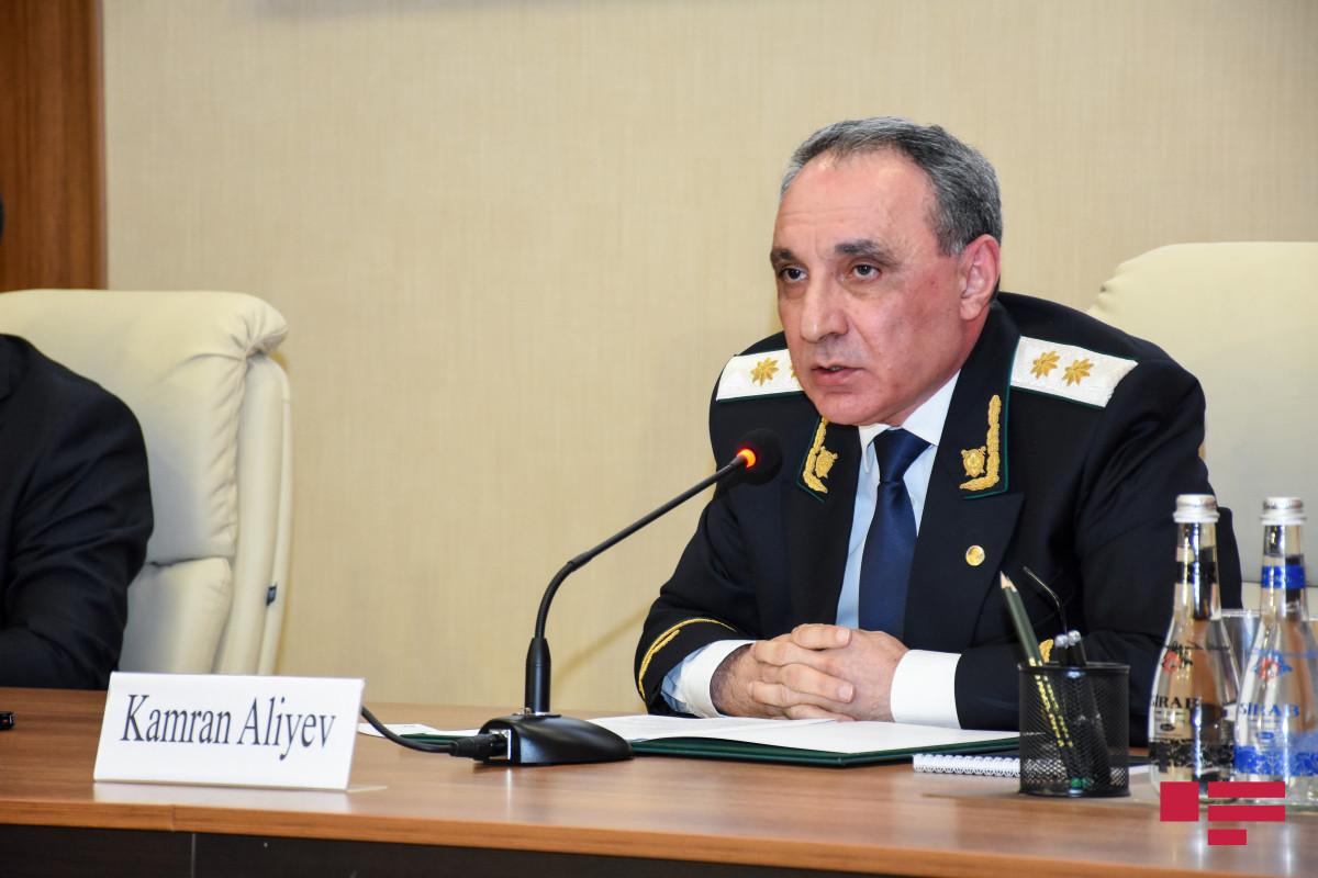 Baş prokuror deputatları Eldəniz Səlimovun deputat toxunulmazlığının ləğvi barədə təqdimata səs verməyə çağırıb