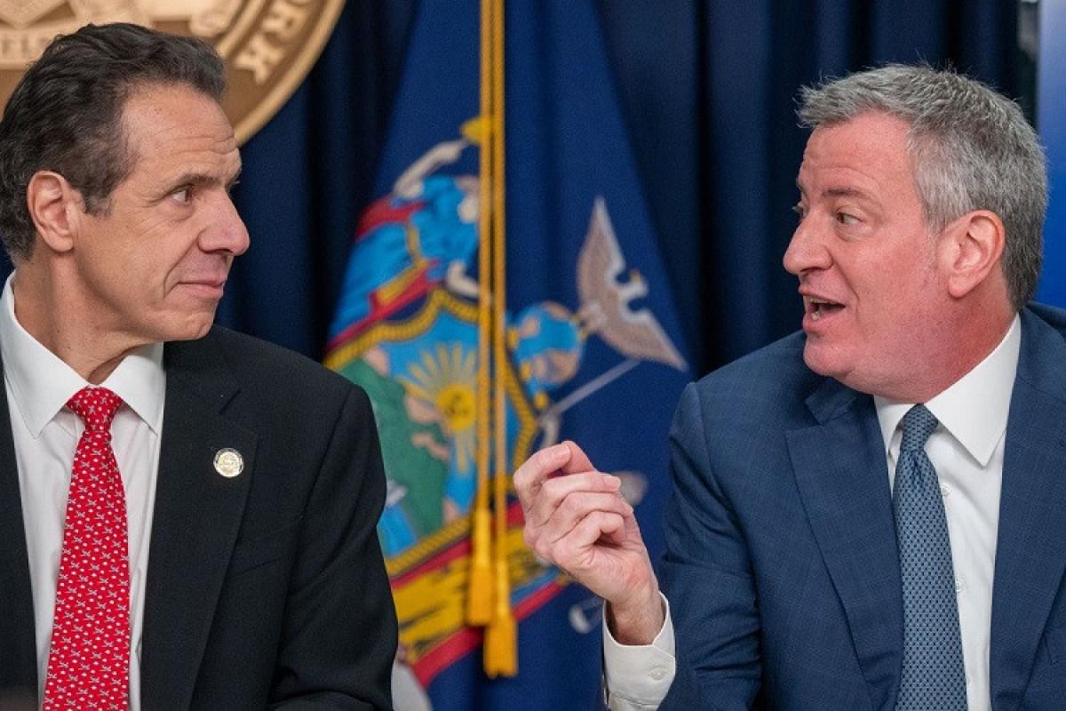 Nyu-Yorkun meri qubernatoru istefa verməyə çağırıb