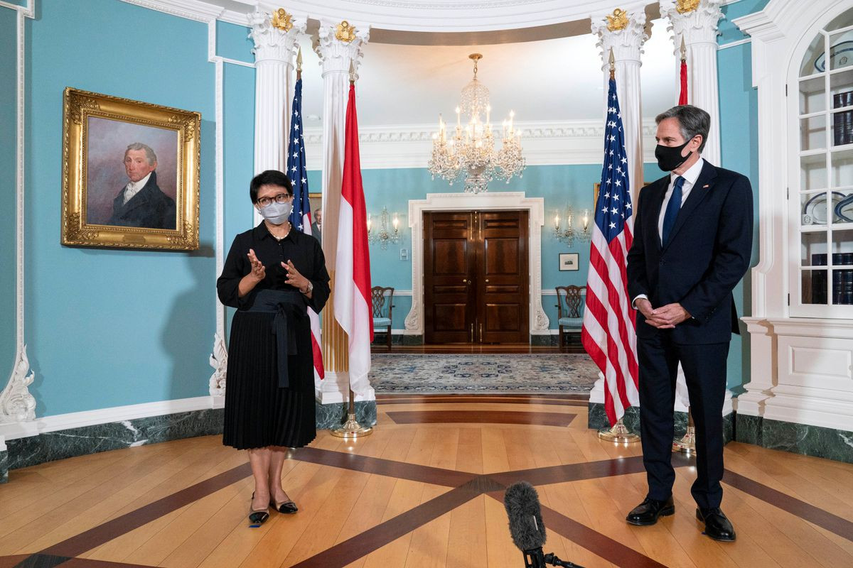 U.S., Indonesia commit to South China Sea defense in