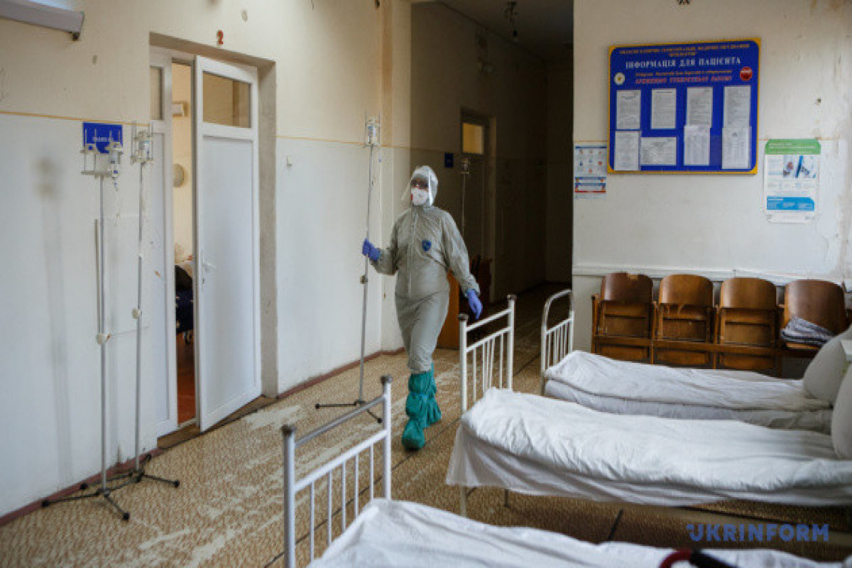 Health officials report 984 daily COVID-19 cases in Ukraine