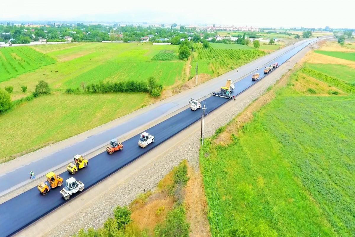 """M2 magistralının 130 km-lik hissəsinin genişləndirilməsi gələn il yekunlaşacaq - <span class=""""red_color"""">FOTO"""