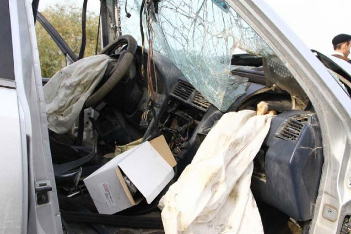 Füzulidə iki avtomobil toqquşub, 1 nəfər ölüb, 4 nəfər xəsarət alıb