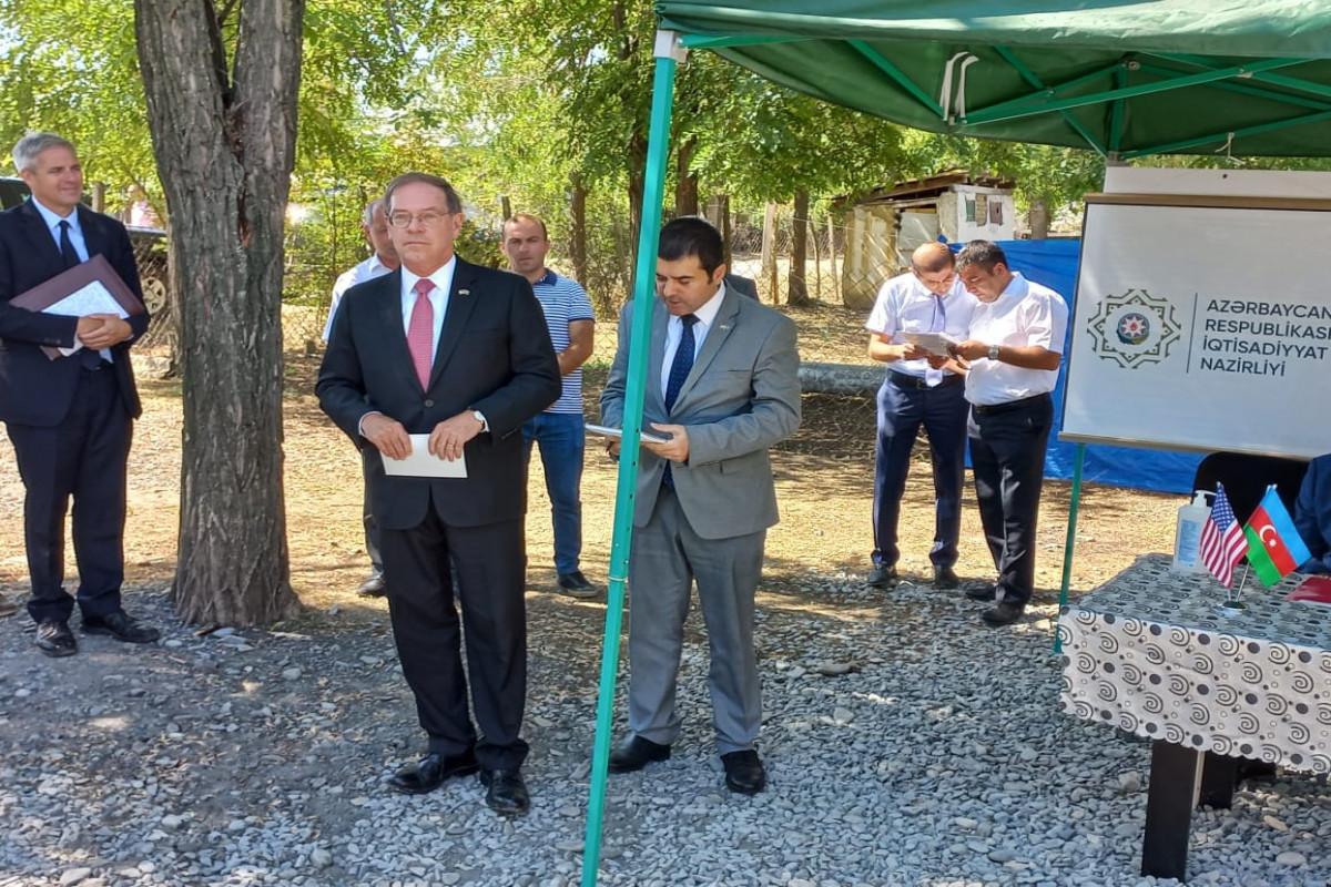 """Посол США принял участие в мероприятии в связи с проектом по улучшению водоснабжения в Гахе-<span class=""""red_color"""">ФОТО"""