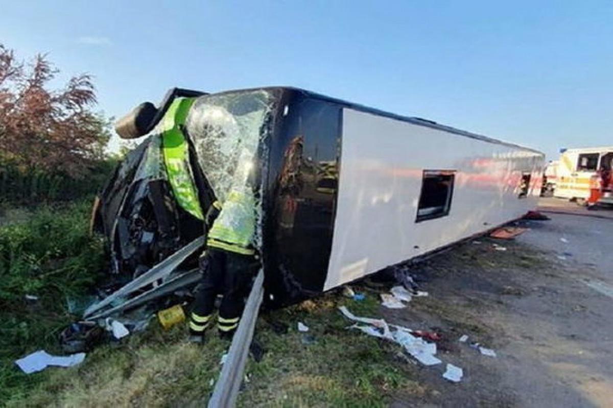 ABŞ-da miqrantları daşıya avtobus aşıb, 11 nəfər ölüb, 12 nəfər yaralanıb