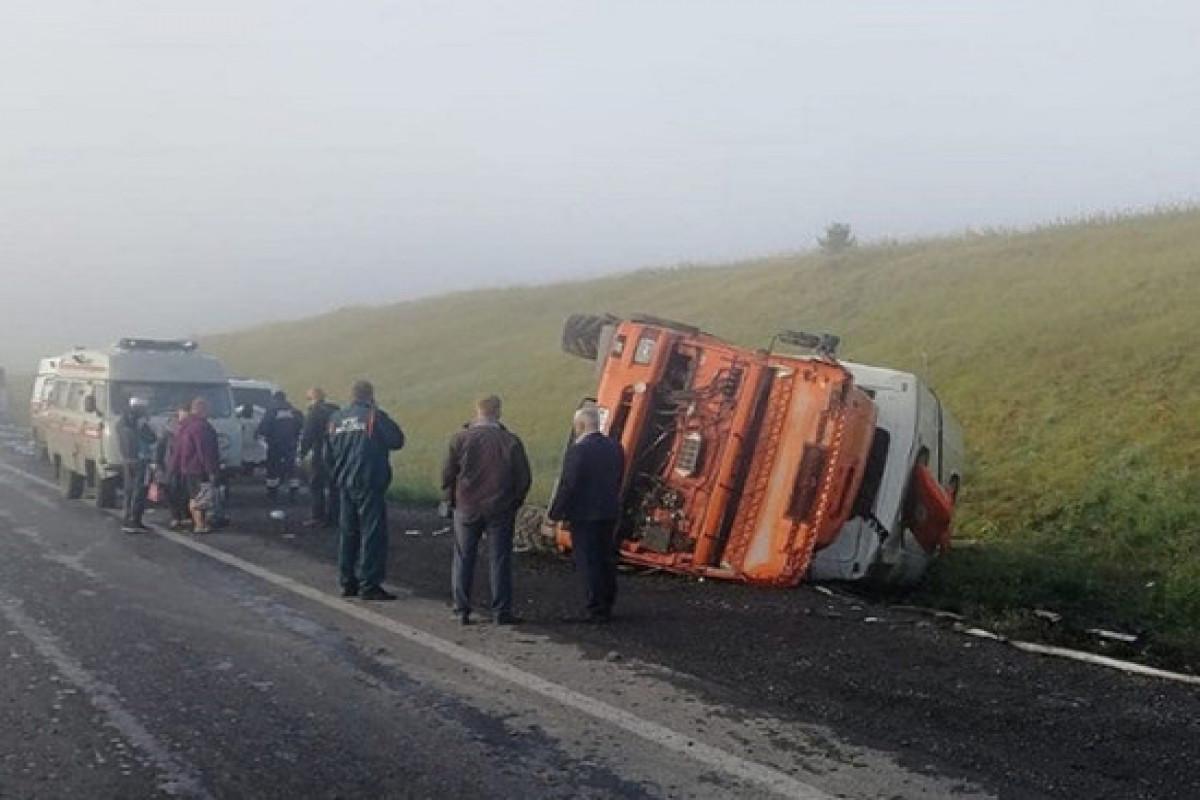 В ДТП с автобусом и грузовиком в России пострадали 11 человек