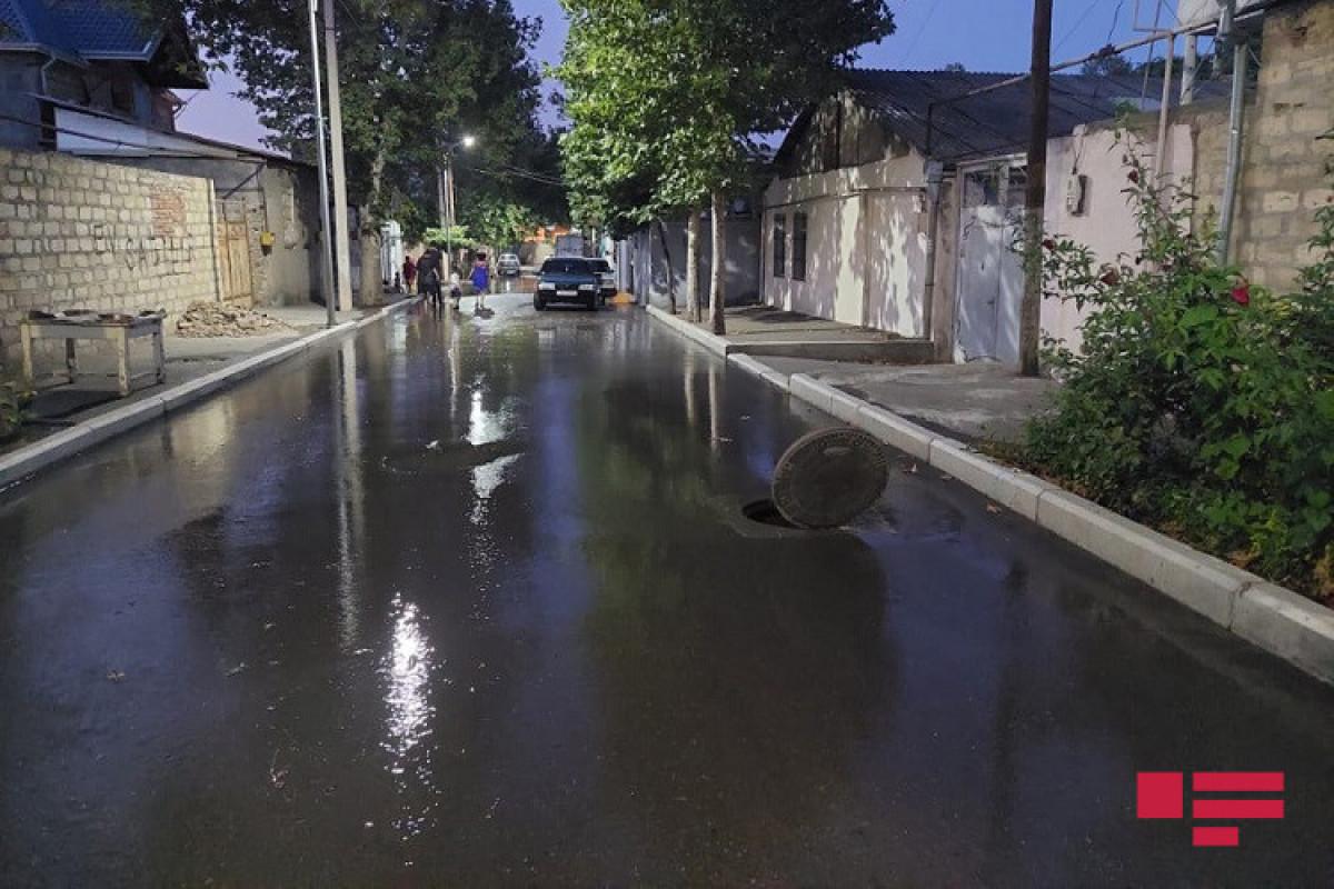 В Гяндже прорвало трубу и затопило несколько домов-ФОТО -ВИДЕО