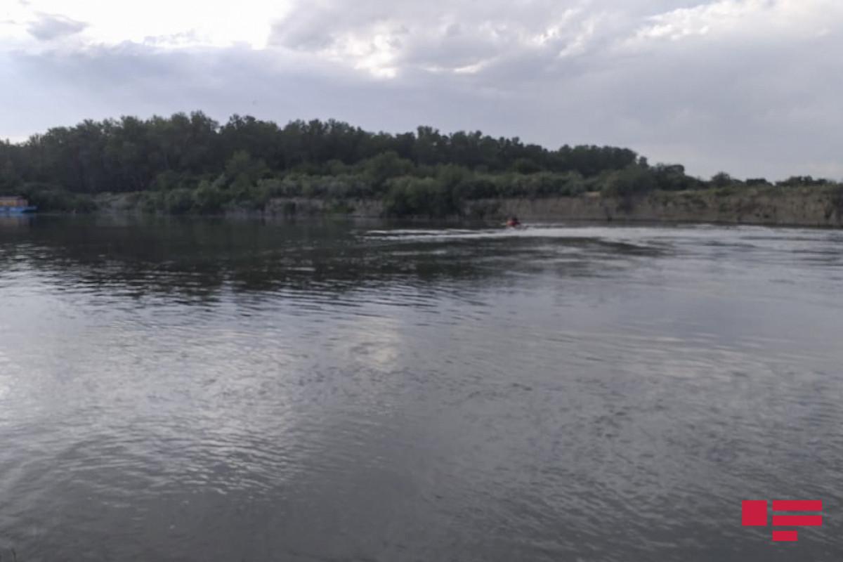 Ucar sakini su kanalında boğulub