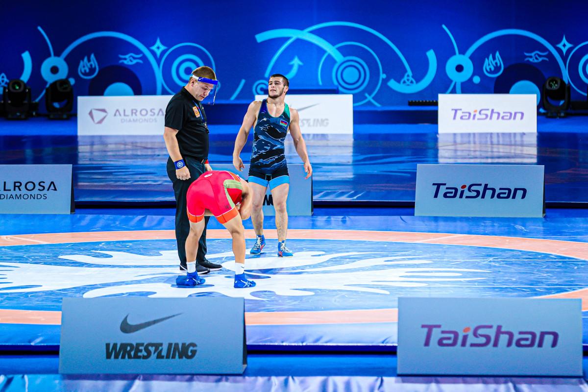 Azərbaycan güləşçiləri dünya çempionatında 3 gümüş medal qazanıb
