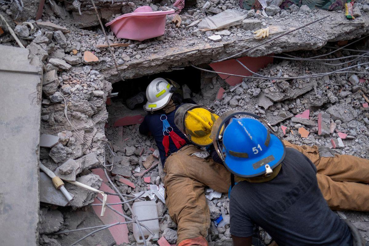 Haiti quake death toll surges to nearly 2,000, survivors clamor for aid