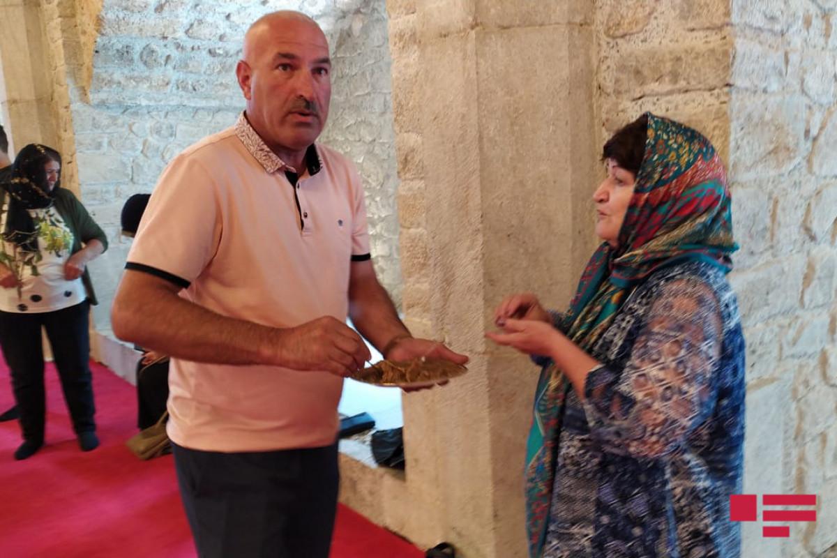 Şuşalıların Yuxarı və Aşağı Gövhər Ağa məscidlərini ziyarəti
