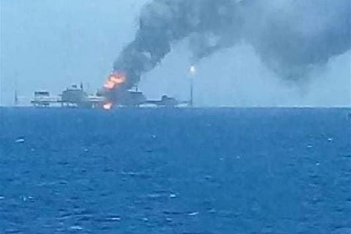 На нефтедобывающей платформе в Мексиканском заливе произошел взрыв