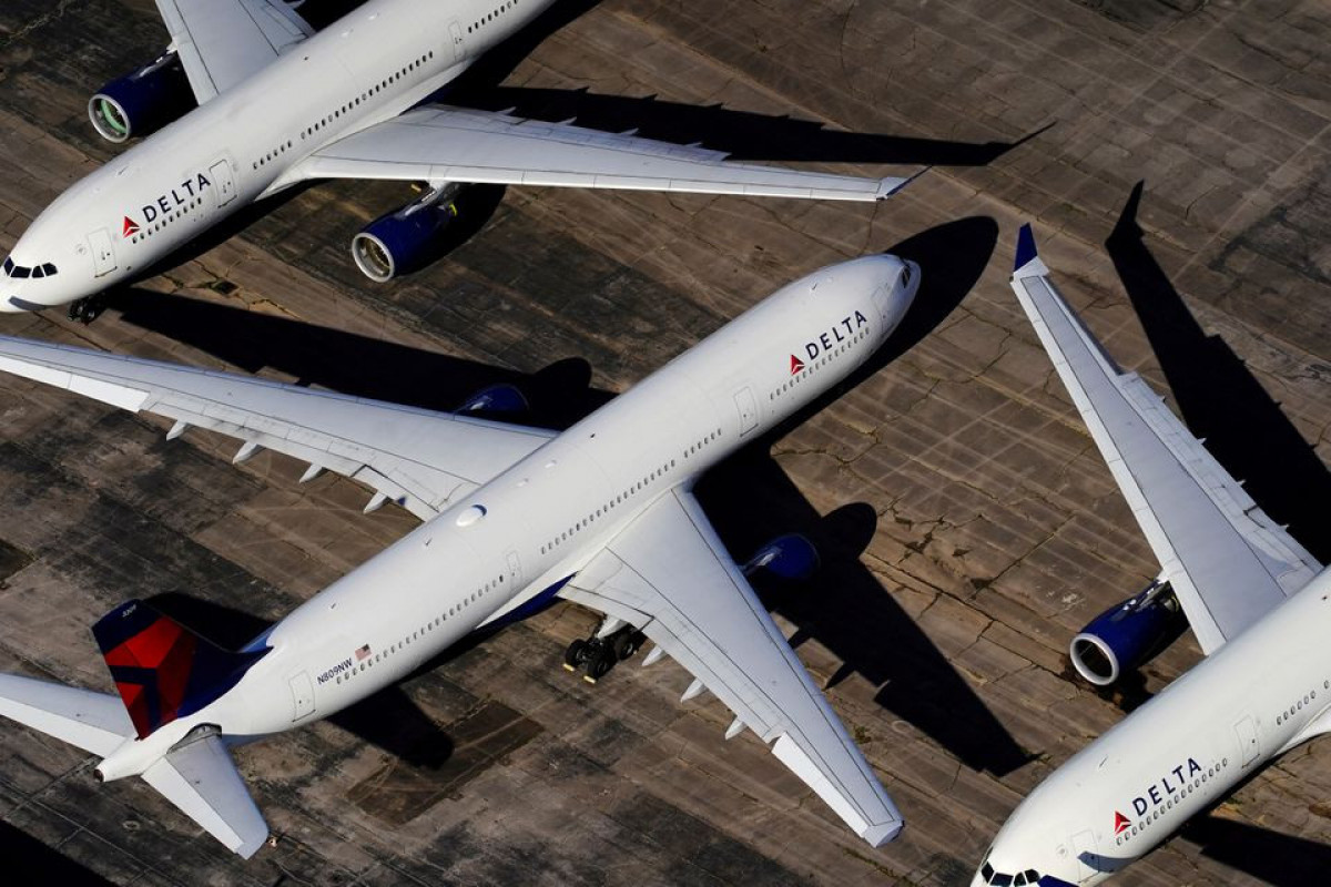 Delta to add $200 monthly health insurance charge for unvaccinated staff