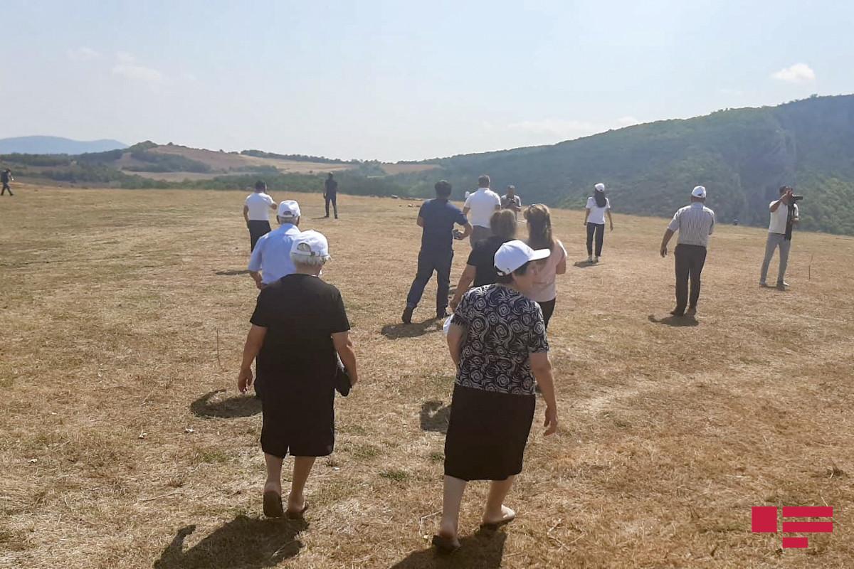 A group of Shusha residents, who traveled to native city, visits Jidir Duzu Plain-PHOTO