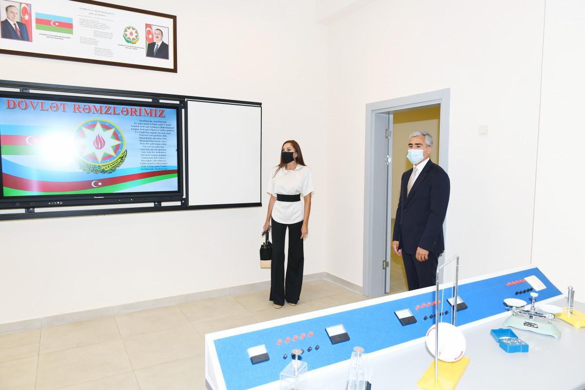 Мехрибан Алиева приняла участие в открытии реконструированных образовательных и учебных заведений в Хазарском районе