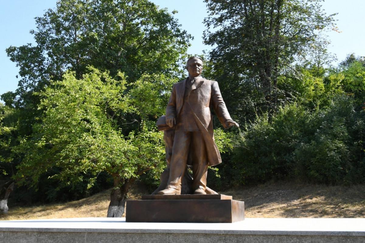 Ильхам Алиев, открытие в Шуше памятника Узеиру Гаджибейли