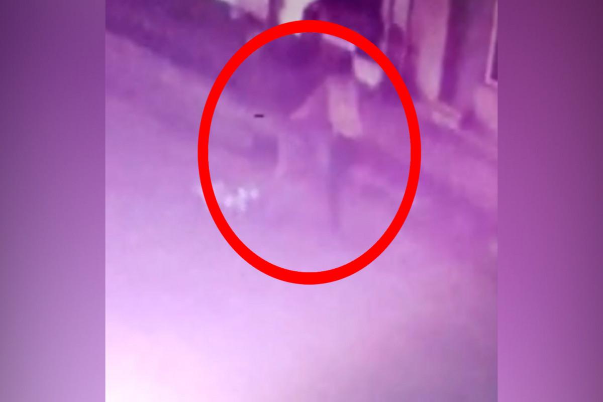 Binədə dayanacaqda qadına hücum edən şəxs tutulub - VİDEO