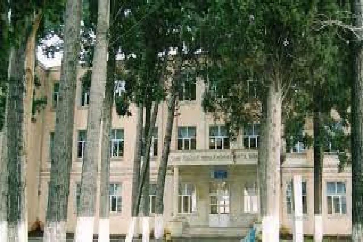 В Гяндже учительница скончалась от коронавируса