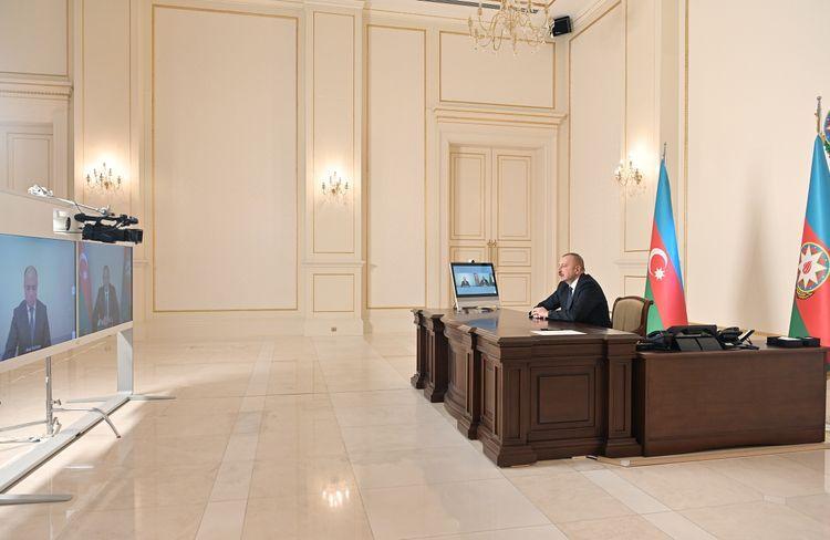 Президент: Некоторые слова, которые были включены в последнее время в азербайджанский язык, портят его чистоту
