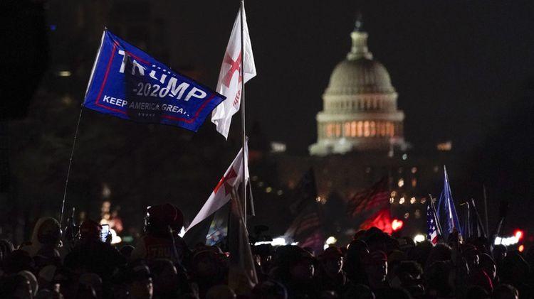 Трамп распорядился направить Нацгвардию в Вашингтон