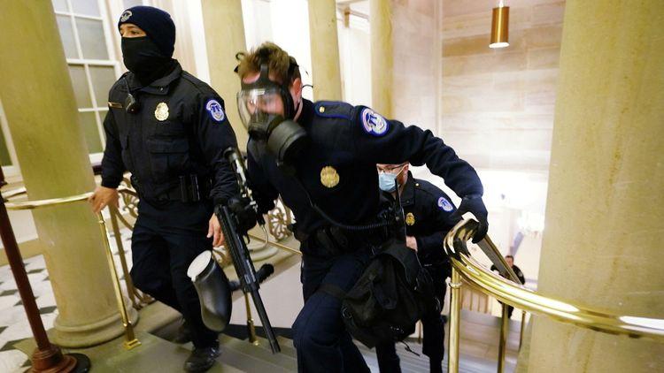 Несколько полицейских пострадали при беспорядках в Вашингтоне