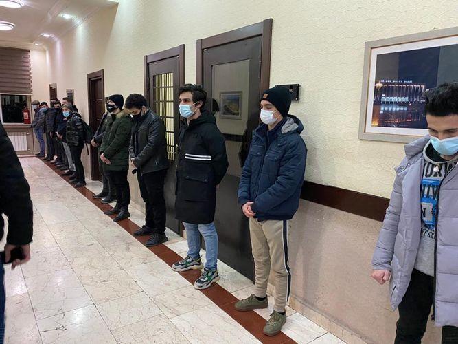 В Баку выявлен подпольный игровой зал, 22 человека оштрафованы