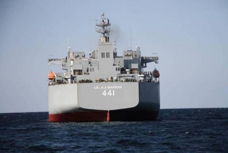 İran donanması tarixində ən böyük döyüş gəmisini nümayiş etdirib