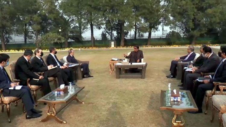 Xarici İşlər naziri Ceyhun Bayramov Pakistanın Baş naziri ilə görüşüb