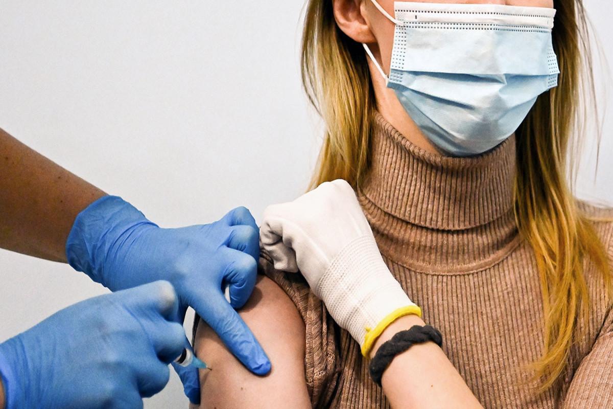 ВОЗ рекомендовала прививаться от коронавируса двумя дозами одной вакцины