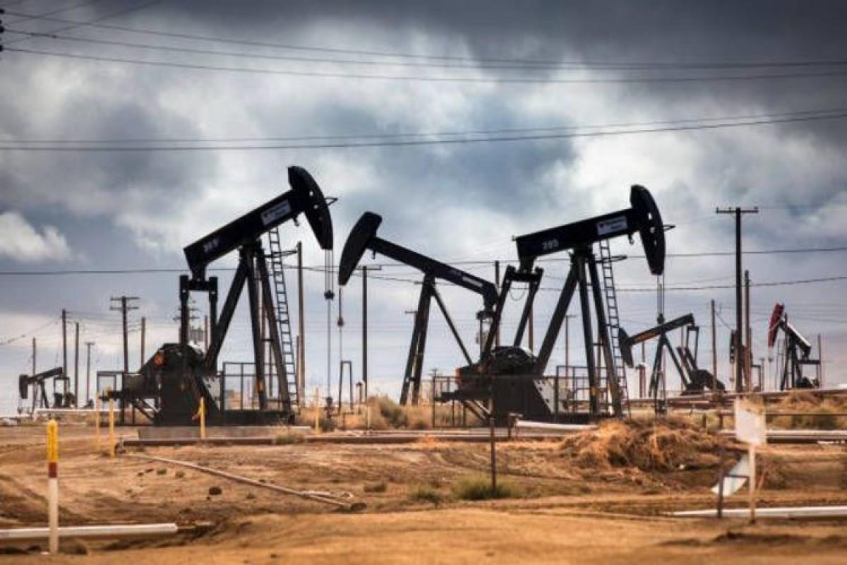 Азербайджанская нефть снизилась в цене