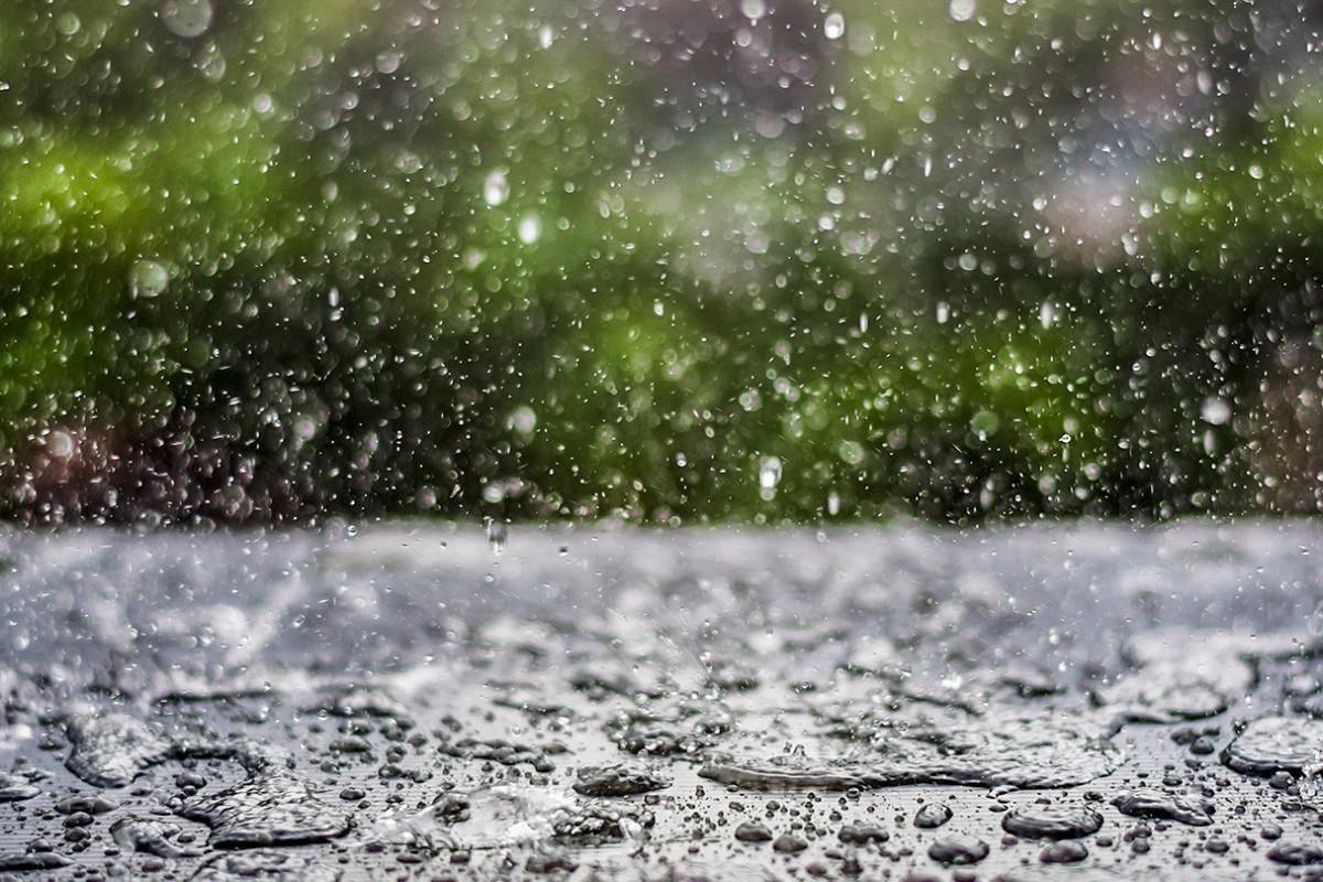 В Баку будет дуть ветер, в некоторых районах пройдут дожди, выпадет град