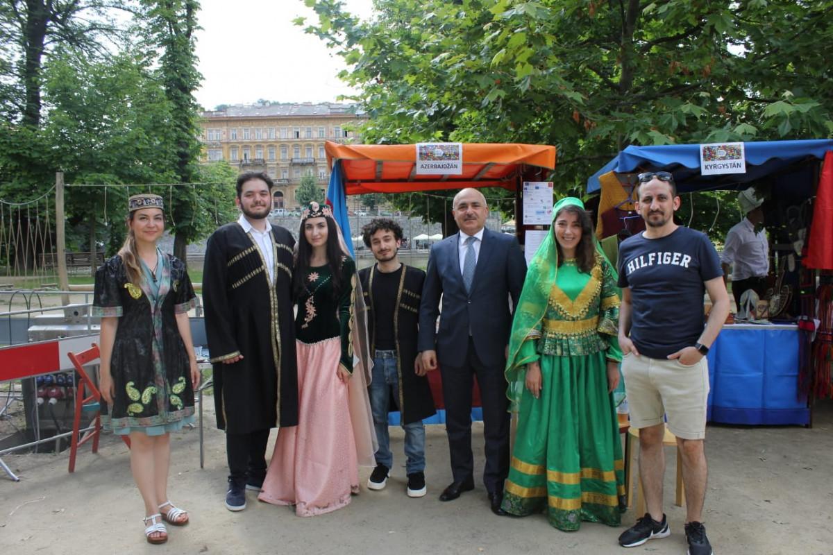 Азербайджан представлен на 15-м межкультурном фестивале RefuFest в Праге-ФОТО