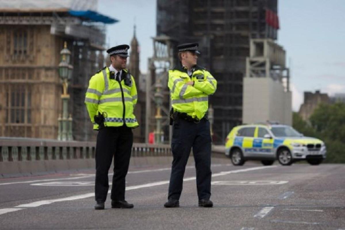 Londonun mərkəzində naməlum şəxs bir nəfəri başından bıçaqlayıb