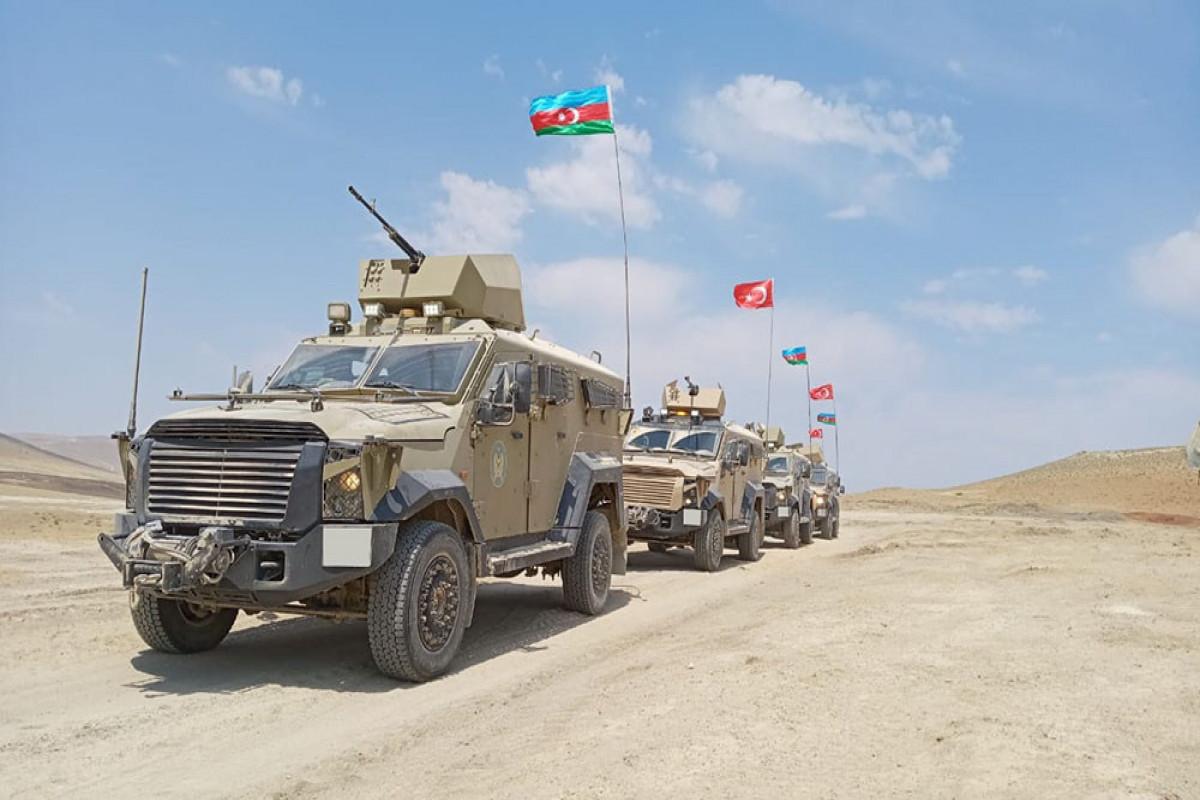 В ходе совместных азербайджано-турецких учений успешно выполняются учебно-боевые задачи