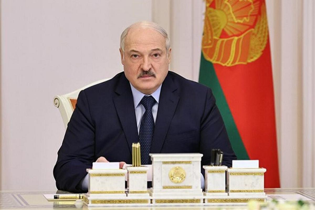 Lukaşenko Ukrayna ilə sərhədin tam bağlanması barədə tapşırıq verib