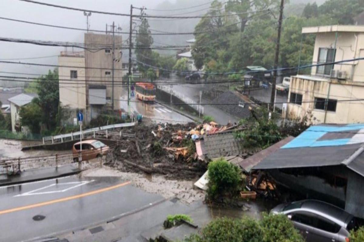 Оползень сошел в центральной части Японии, 20 человек пропали без вести