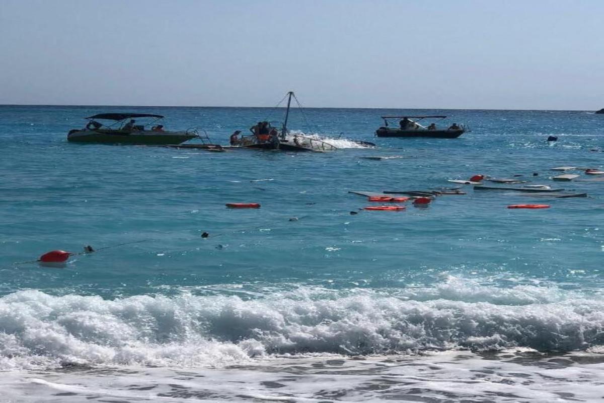 В Турции затонула туристическая лодка