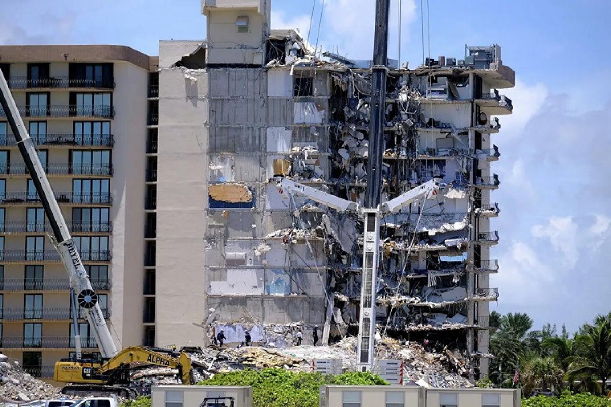 ABŞ-da binanın çökməsi nəticəsində ölənlərin sayı 24-ə çatıb