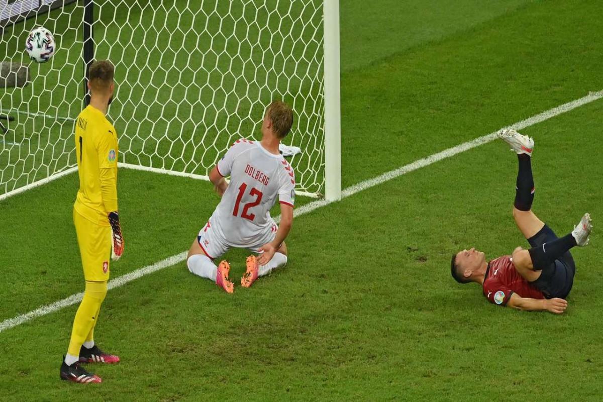 Евро-2020:  Сборная Дании обыграла в Баку Чехию и вышла в полуфинал
