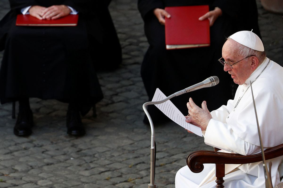 Pope Francis in hospital for intestinal surgery