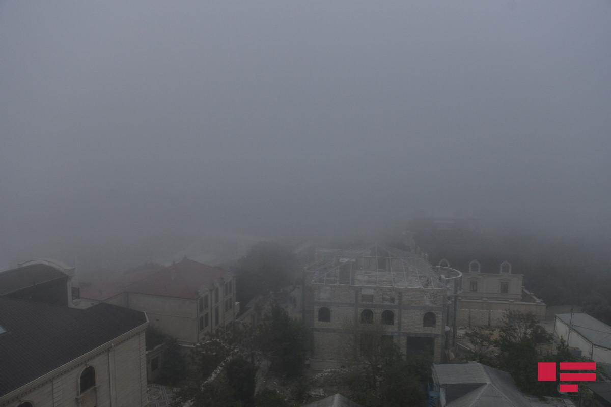 В Баку и на Абшероне наблюдается пылевой туман