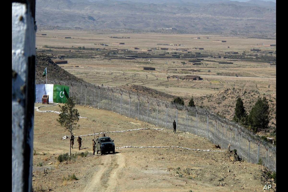 На пакистано-афганской границе боевики убили трех пакистанских солдат