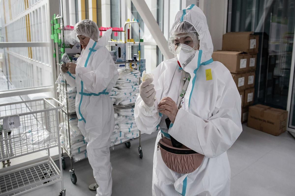 Глава ВОЗ заявил о наступлении очень опасной стадии пандемии