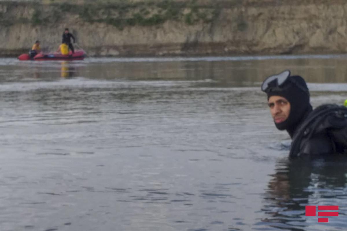 В Баку в канале утонул 12-летний мальчик