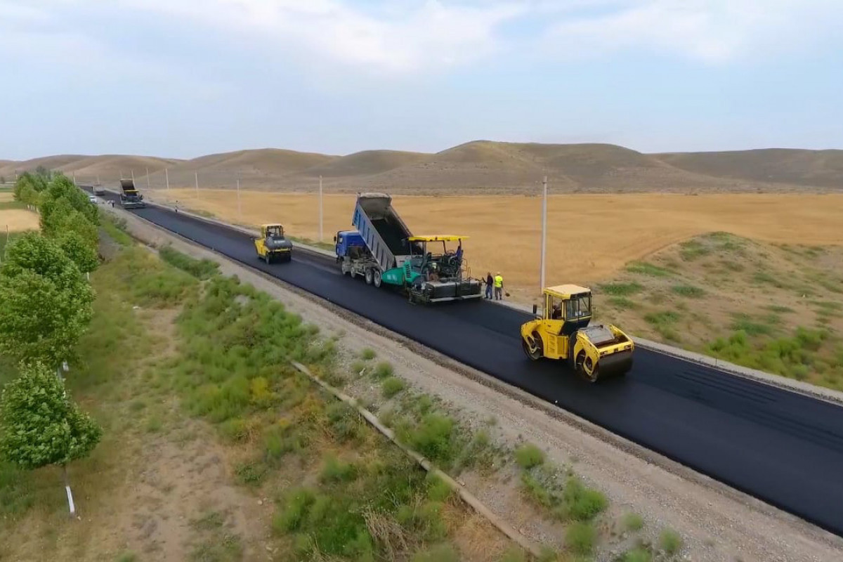"""Asphalting of """"Victory Road"""" started-PHOTO"""
