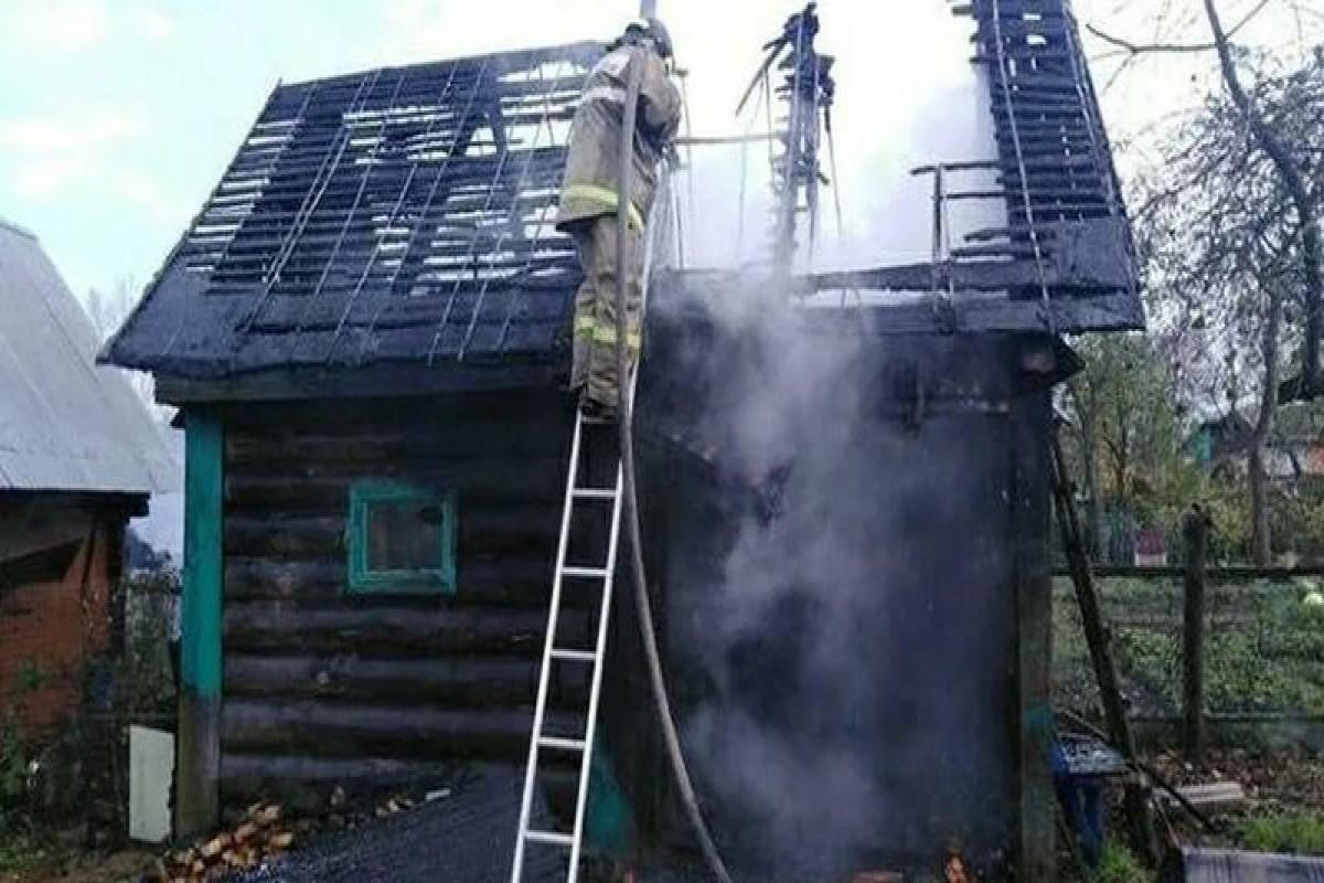 Шесть человек погибли в результате пожара в частном доме в Смоленской области РФ