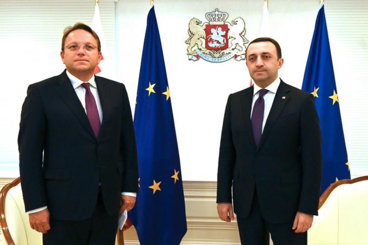 Oliver Varhelyi Gürcüstan rəsmiləri ilə görüşüb - FOTO