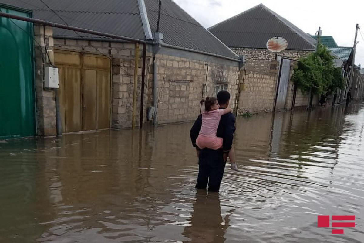 Gəncədə güclü yağış fəsadlar törədib - FOTO  - VİDEO  -  YENİLƏNİB