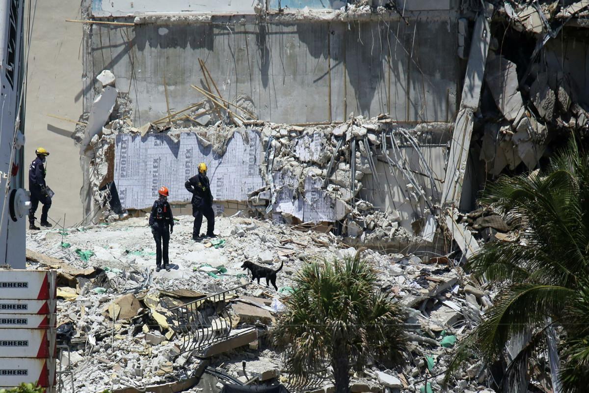 На месте обрушения дома в Майами нашли еще восемь тел